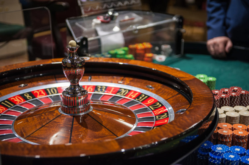 Five Easy Ways The Pros Use To Advertise Casino